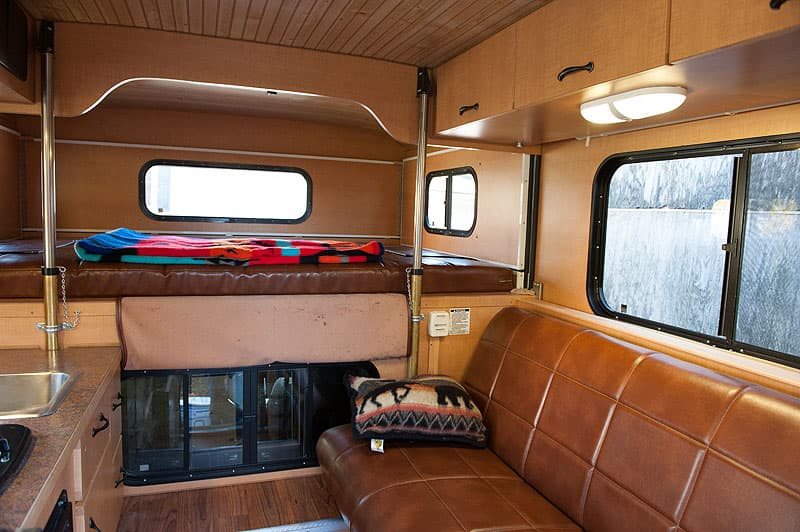 Alaskan Camper 5.5 inside