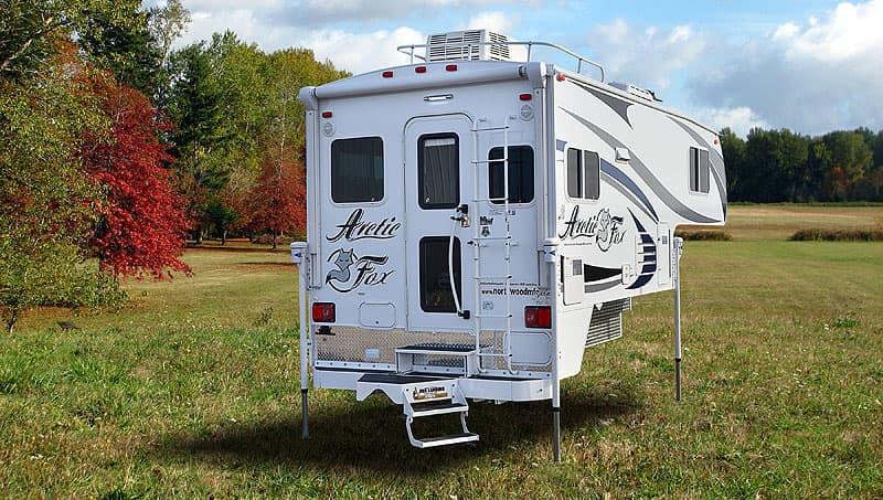 Arctic Fox 865 truck camper 2017