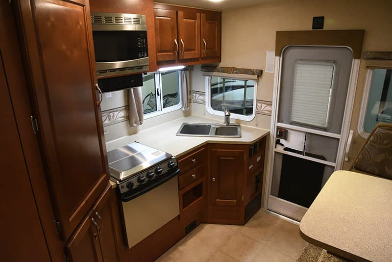 Arctic Fox 992 kitchen galley