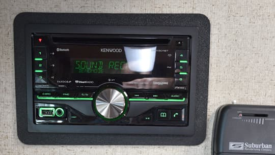 Arctic-Fox-2016-kenwood-touch-screen