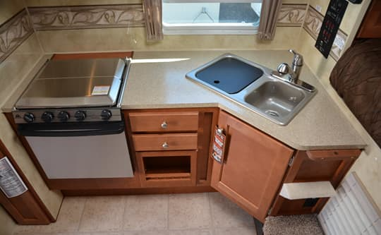 Arctic-Fox-990-Lower-Kitchen
