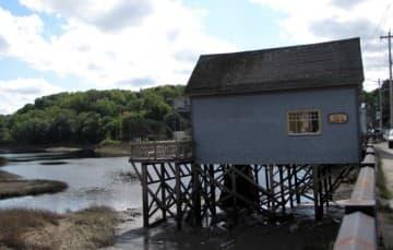 Bear River homes stilts