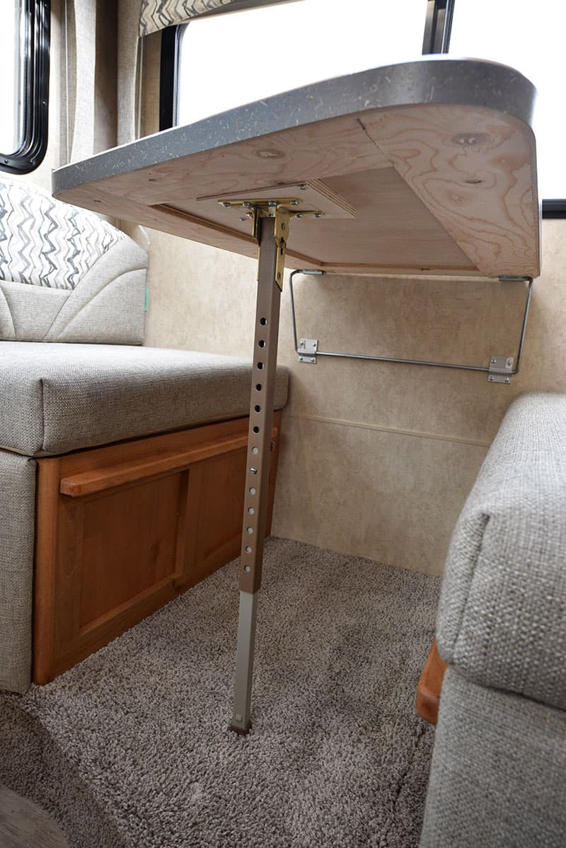Bigfoot 10-4 Dinette Table Mechanism