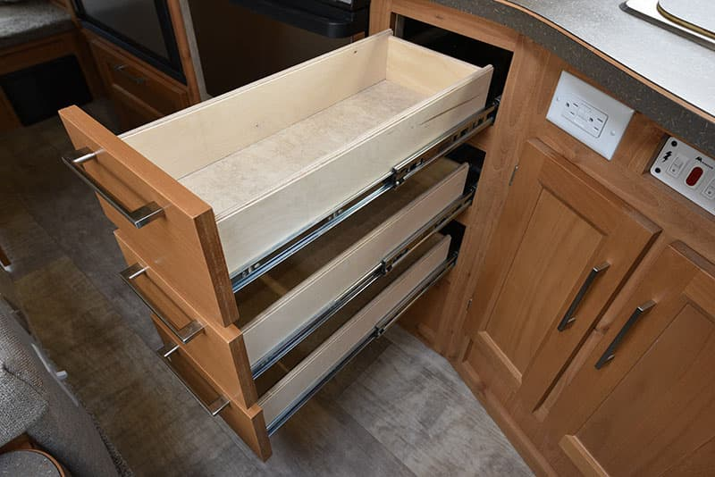 Bigfoot 25C10.4 Kitchen Lower Drawers