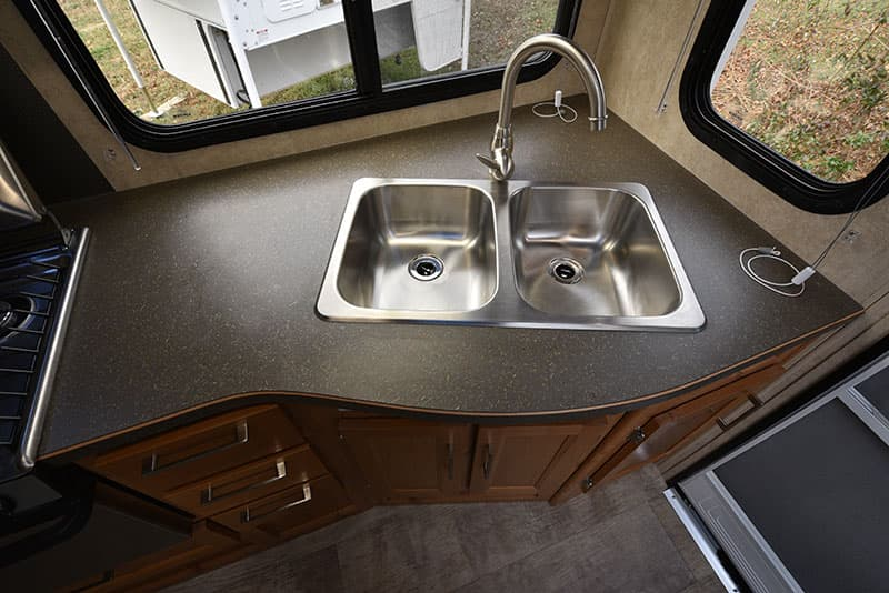 Bigfoot 10.4 Kitchen Sink Counter