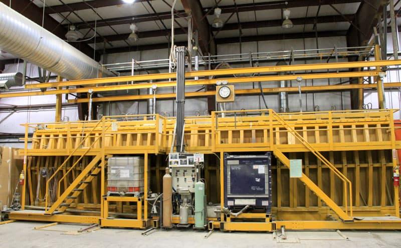 Bigfoot 3000-series 40 foot Press