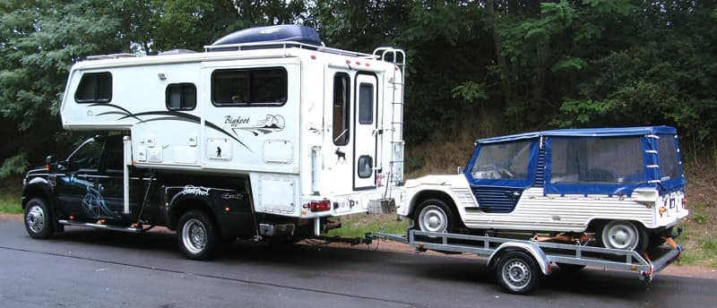 Bigfoot towing Citroen