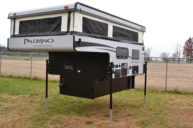 Palomino SS 1200 exterior 2 palomino pop up camper buyers guide  at fashall.co