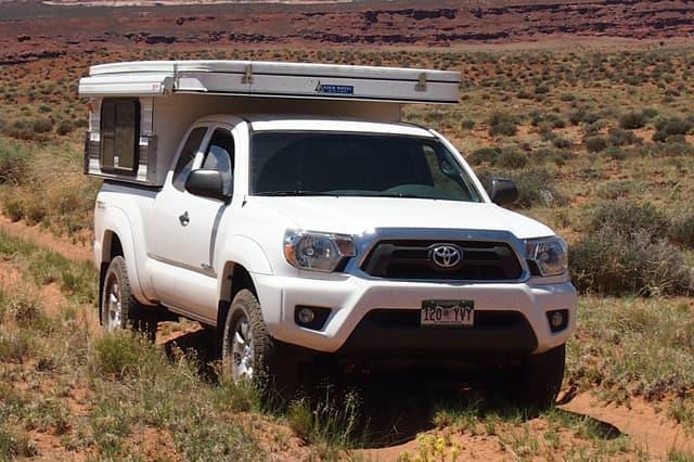 Four Wheel Camper Buyers Guide - Light Weight Pop-Up Truck