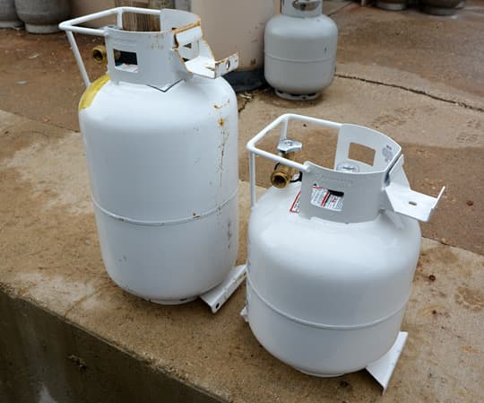 Propane-Cylinders-30-20-tanks
