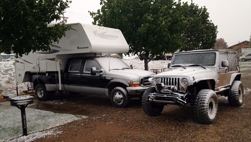 Jeep disconnected from truck camper rig