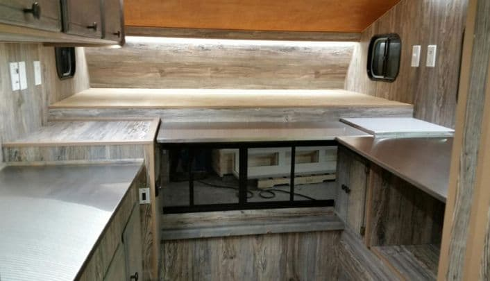 capri-camper-Mobile-fish-lab-stainless-steel