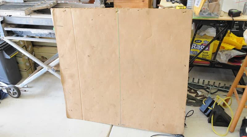 Cardboard-and-level-line-sample