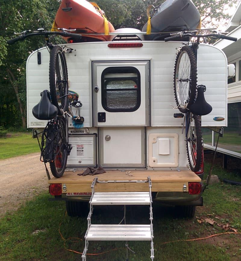 Alaskan-Camper-bikes-attached