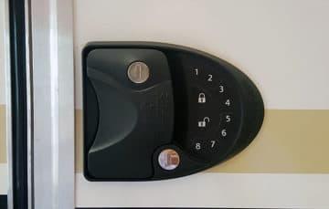 Cirrus 820 keyless entry