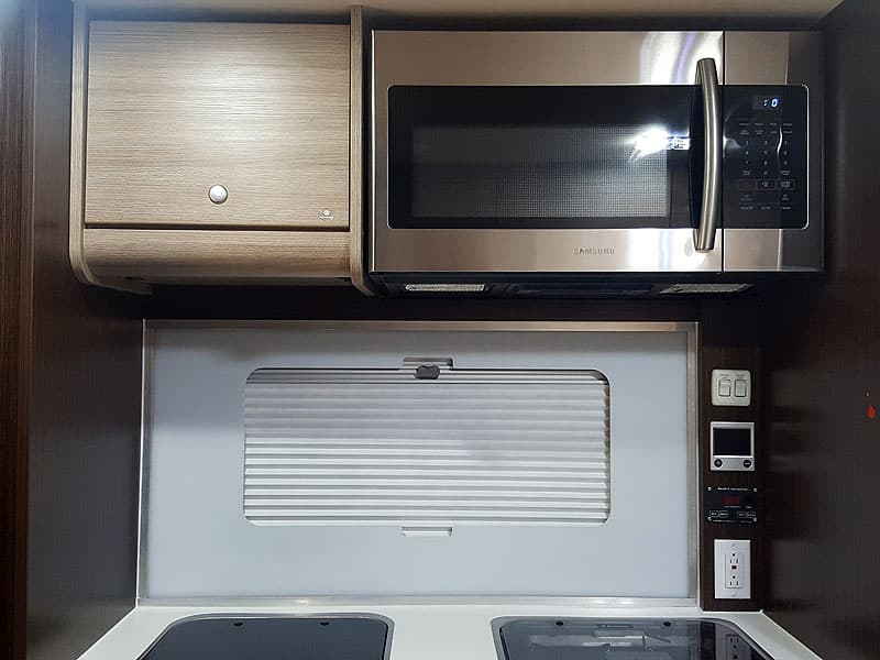 Cirrus 820 microwave comes standard