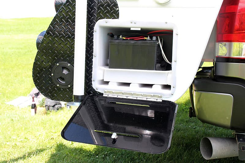Cirrus 820 Battery in Back Overhang