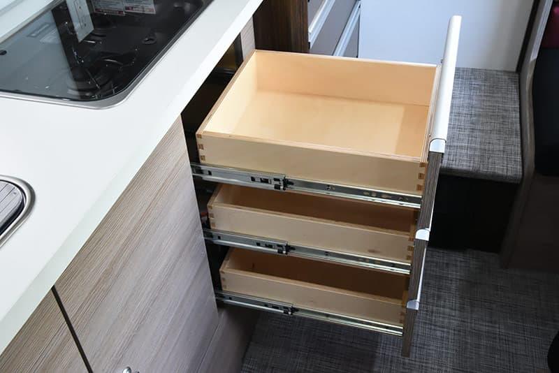 Cirrus 820 roller bearing drawers