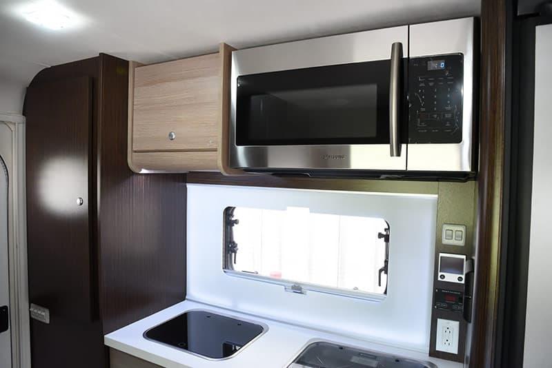 Cirrus 820 kitchen microwave