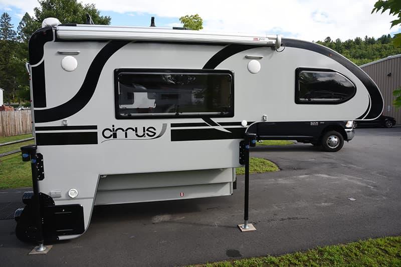 Cirrus 820 passenger's side exterior