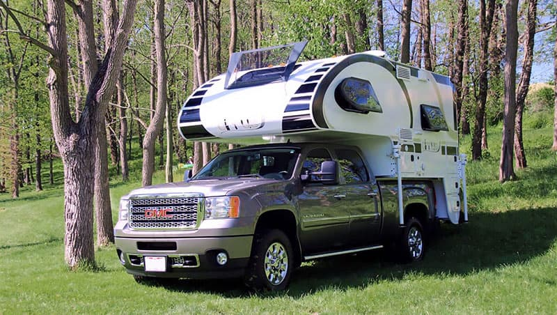 Short Bed Truck Camper With Dry Bath