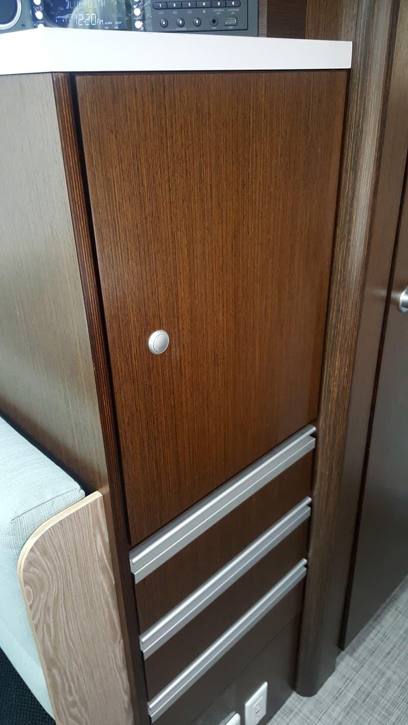 Cirrus 920 Storage Cabinet