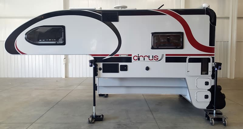 Cirrus 920 camper drivers side
