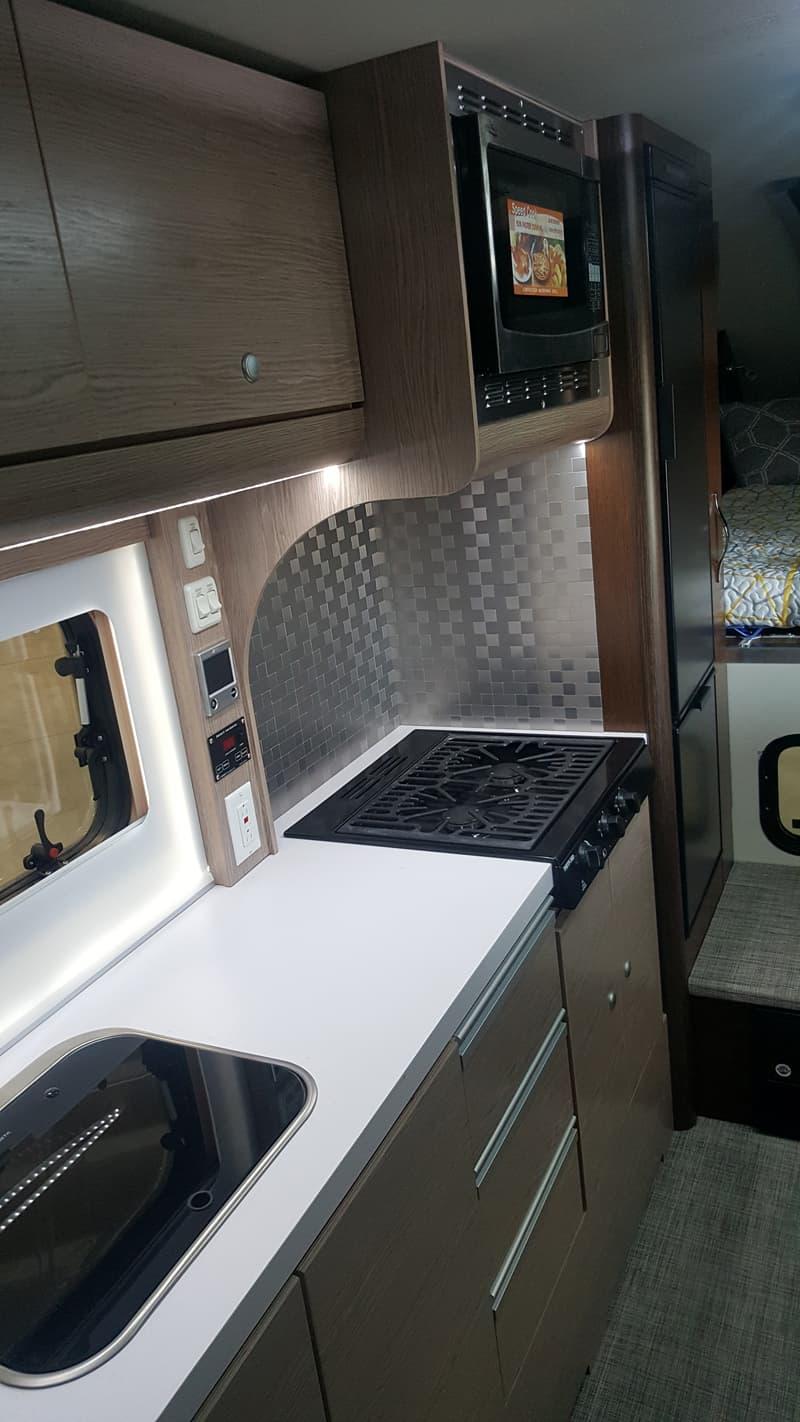 Cirrus 920 kitchen counter