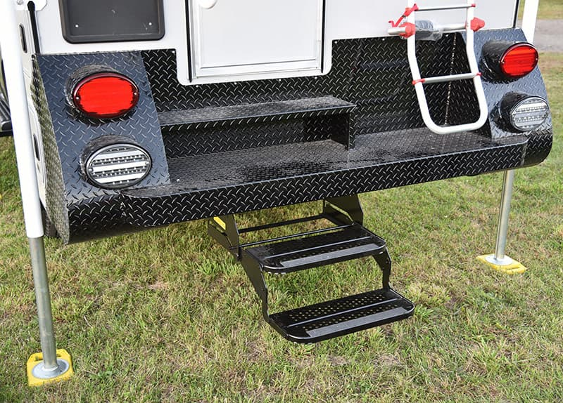 Cirrus Camper standard retractable steps