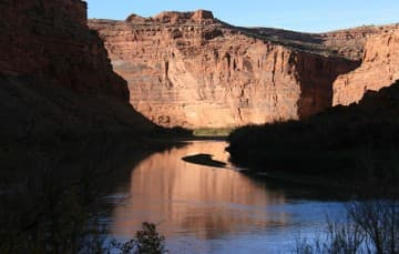Colorado-River-Along-Highway-128