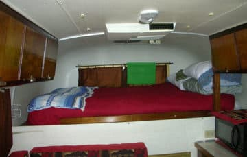 1969 Avion C-11 truck camper bedroom