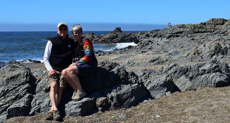 Oregon Beach, hunting for agates