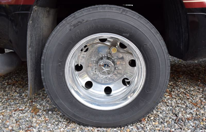 How To Maintain Inside Dually Tire Pressure