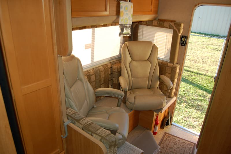 Dinette Chairs in Non-Slide Truck Camper