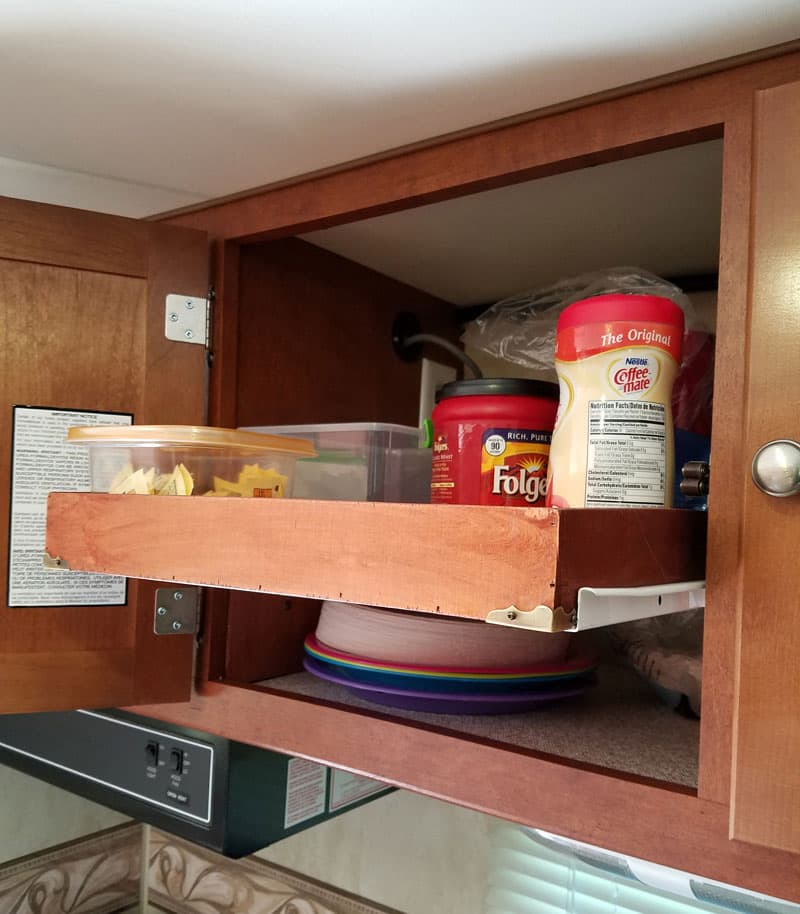 Shelf slid out in kitchen