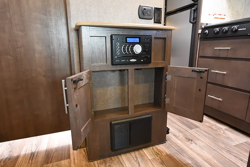 Eagle Cap 1200 TV area storage