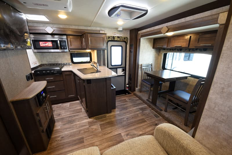 Eagle Cap 1200 spacious camper