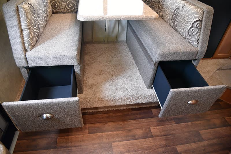 Dinette drawers in Eagle Cap 995
