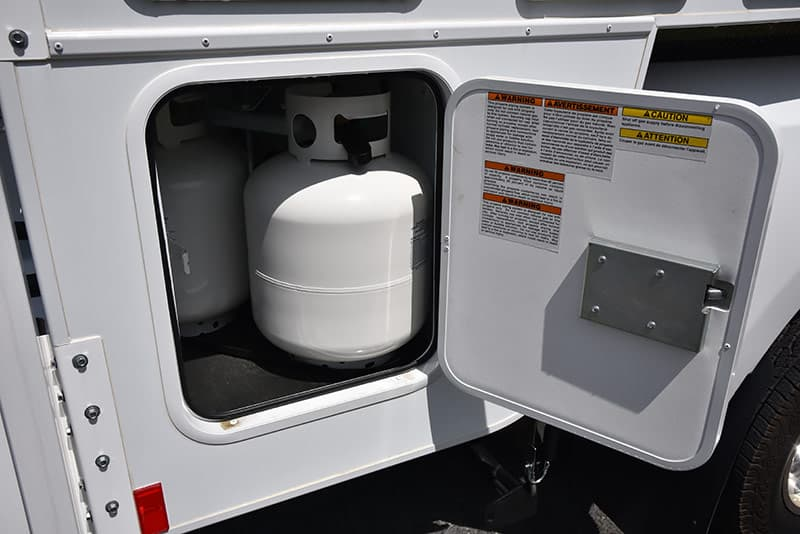 20-pound propane tanks in the Eagle Cap 995