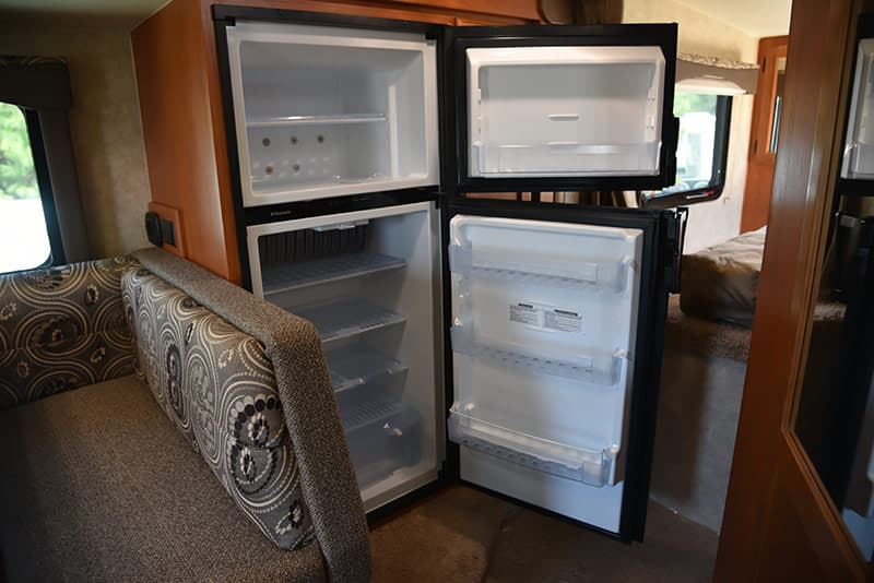 7-cubic foot refrigerator in Eagle Cap 995