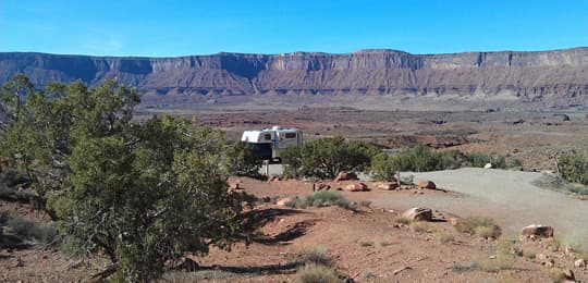 Camper-5500-Fisher-Towers-Utah