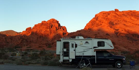 Camper-Valley-of-Fire-SP-NV