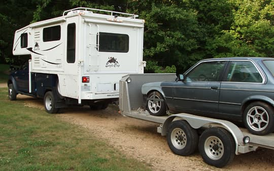 camper-5500-towing-bmw-318