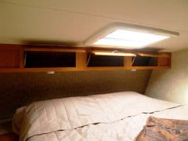 Eagle-Cap-1200-camper-overcab-king-bed-storage