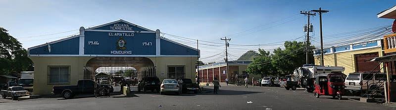 Entering Honduras at border crossing