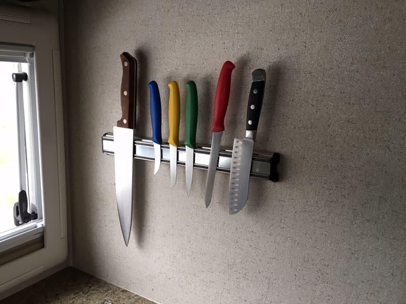 Knife strip in Northern Lite truck camper