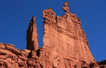 Fisher-Towers-Utah-thin-rock-climb
