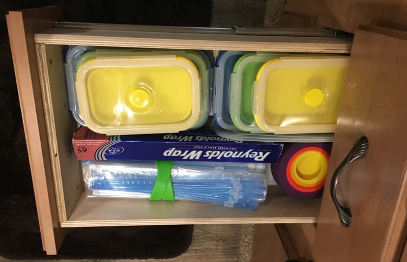 Food storage drawer