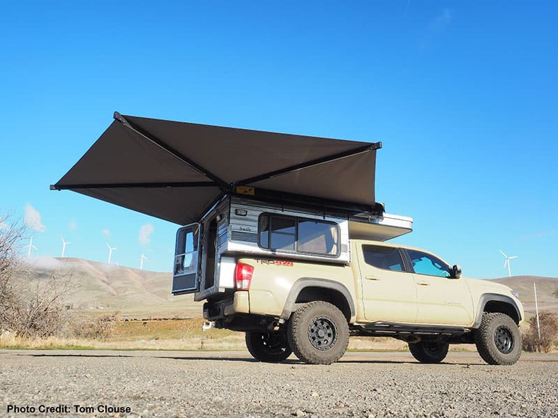 Four Wheel Camper Bat 270 Side And Rear Awning