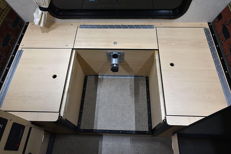 Four Wheel Hawk Dinette Under Seat Platforms